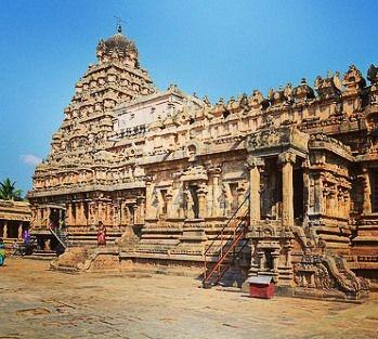 ஐரவதஸவர கவல#temple#tanjavurin clear #sky #unesco#World#heritagesite #enchanting#tamilnadu#travel#follow culturaltourismhistoryofcholaperiod#globetrotters#india 11 century town of darusuramone among the many marvels Cholan Emperor Rajendara Chola II envisioned. This town is which boasts the great Airavateswara temple a pinnacle of Cholan #architecturalskills #Tours#historyof #incredibleindia#globetravel#wanderlustof #southindia #asiatour2015 #indiatourism#indiatrip #indiatravel…