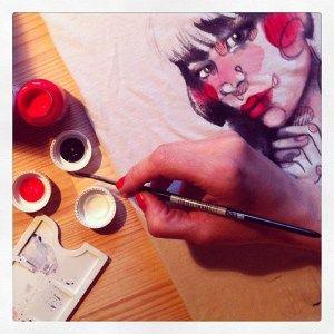 TShirt dipinta a mano in lavorazione! :D -Ang Varani TS-