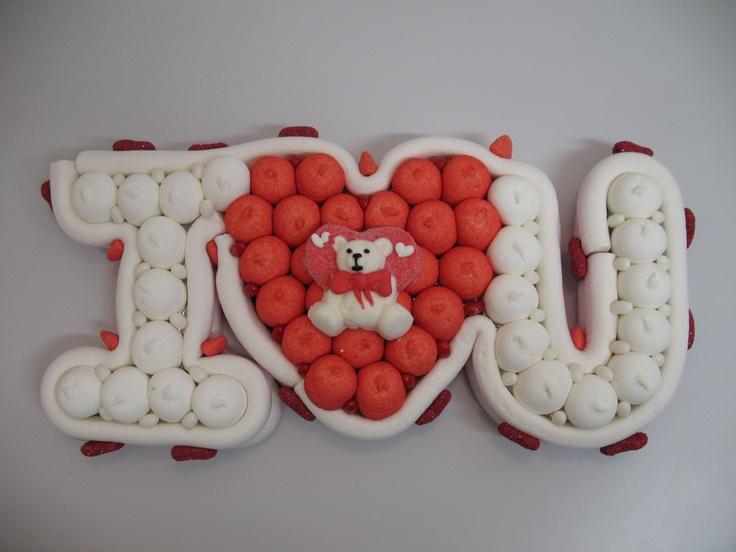 "www.lemilleeunamella.it  torta si caramelle ""i love you"""