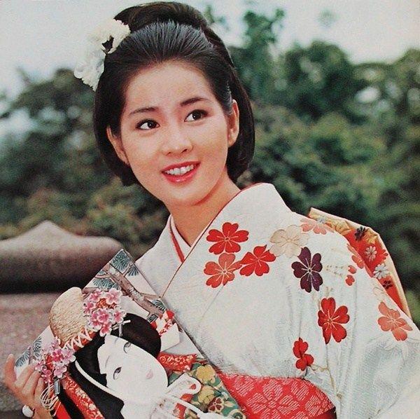 Sayuri Yoshinaga 吉永小百合