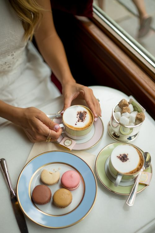 ღღ Ladurée in Paris