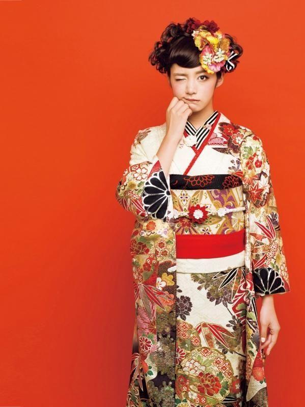 【卒業式】袴や和服に似合う髪型ヘアスタイルカタログの14枚目の写真