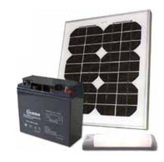 """Den vanligaste storleken på ett solpanelspaket för den """"genomsnittlige"""" förbrukaren av el till belysning, radio/tv, dator, mobiltelefon, vattenpumpar mm till stugan.    Paketet innehåller ett kraftfullt 245Ah AGM batteri, men vi rekommenderar gärna att man utökar paketet med ytterligare ett batteri för att ha kapacitet för framtida ökning av energibehovet."""