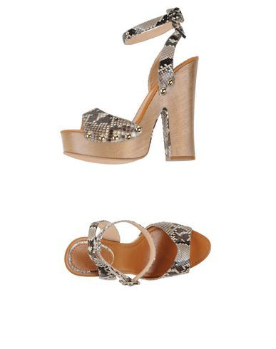 ALEXANDRE BIRMAN Sandals. #alexandrebirman #shoes #sandals