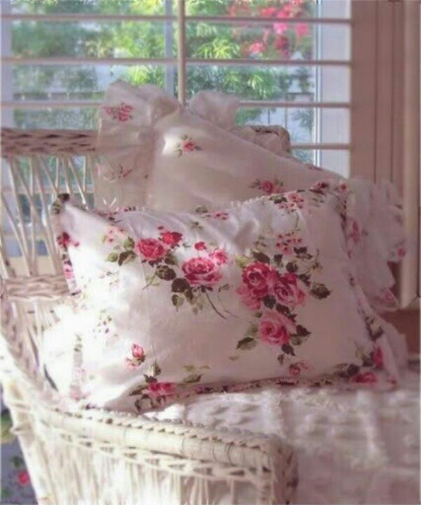 Shabby Chic Bed Pillows : Shabby pillows Shabby Chic Pinterest