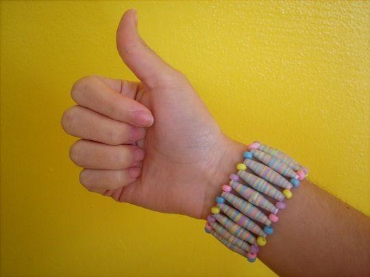 Paper bead bracelet <3: Cuffs Bracelets, Bracelets Tutorials, Paper Bracelets, Diy Jewelry, Cool Ideas, Make Paper, Diy Crafty, Paper Beads Tutorials, Woven Bracelets