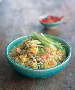 Delicious fried rice by Kylie Kwong - to use rice wine and sesame oil. Use soy sauce instead of maggi seasoning