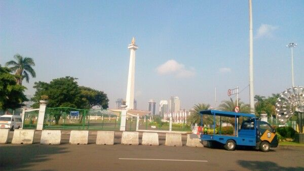Another shot of Monas :)