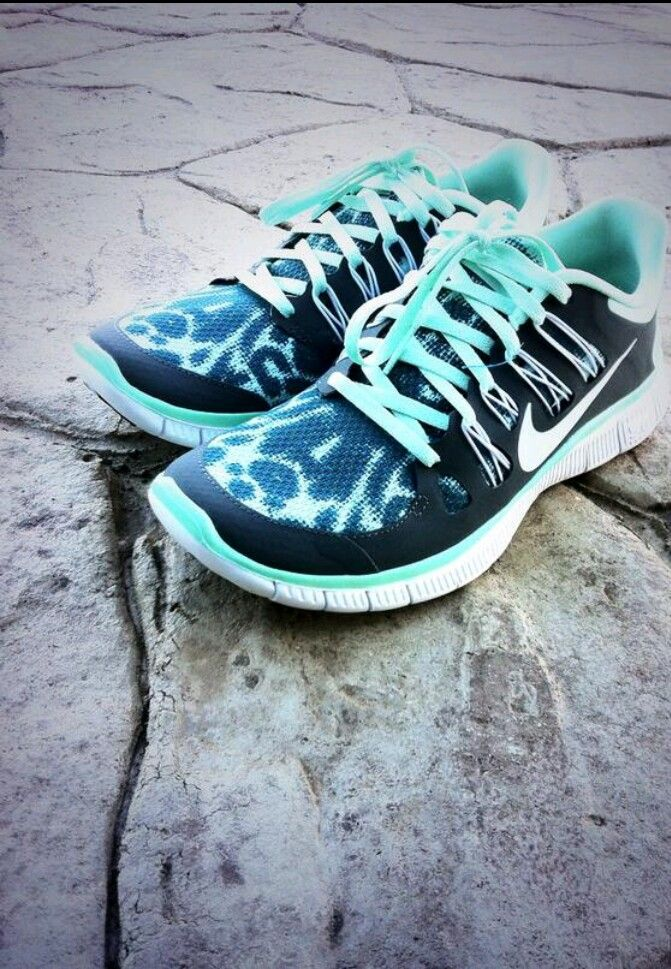 Nikes - true beauty right there! ♡