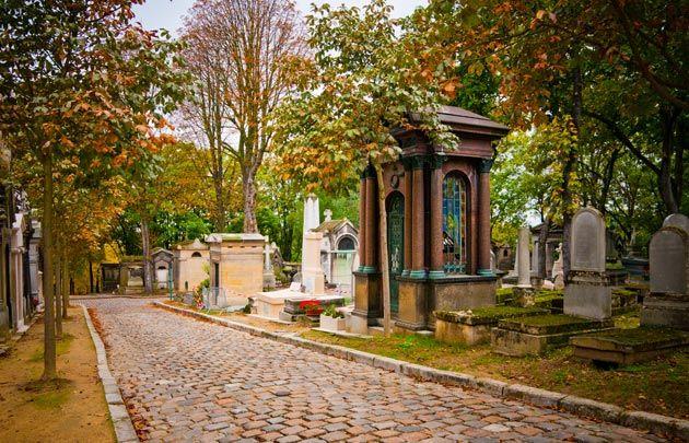 Cimetière du Père Lachaise - Le cimetière du Père Lachaise tient son nom du confesseur du roi Louis XIV, le père François d'Aix de La Chaise. Il...