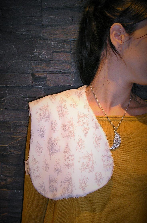 Así lucen nuestras babitas de hombro de Boncoquét!! Solución perfecta si el bebé o nosotros nos manchamos durante la toma!!