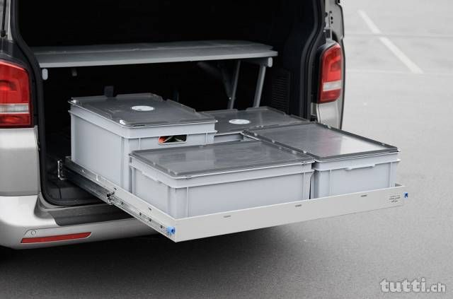 Heckauszug California Beach T5/T6 -> CaliXtension BEACH XL - Mit den CaliXtension Auszugschubladen für den VW California T5 / T6 BEACH haben Sie endli...
