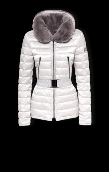 Winter Wonderland: Beautiful Peuterey Coat!http://peutereyhub2013.blogg.asia