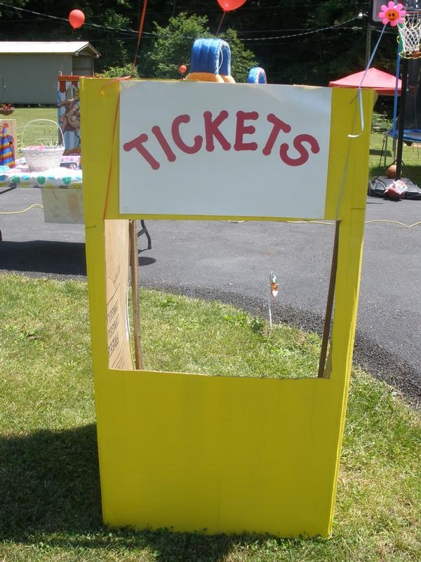 Homemade ticket booth for carnival party. ideas for