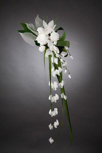 Bouquet de mariée retombant - 100 bouquets pour sublimer la mariée - aufeminin.com