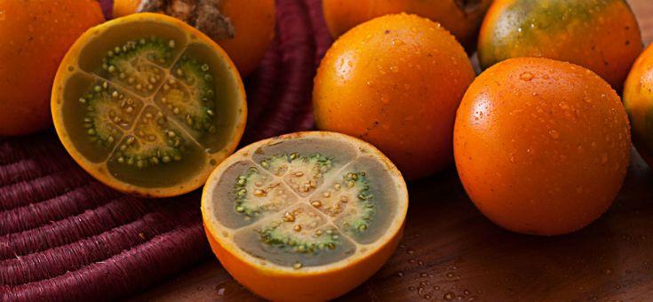 """""""En el país hay frutas de las que uno si siquiera ha escuchado hablar y que no se asemejan a nada que se haya visto antes. Por todo el país encontrará diferentes variedades y escoger una puede ser una decisión bastante abrumadora y emocionante. Aquí le presentamos una lista de frutas exóticas de Colombia, además de otras que de seguro ya ha escuchado pero que aquí encontrará en abundancia."""" Artículo: Frutas en Colombia Autor: Off To Colombia Sitio: Off To Colombia"""