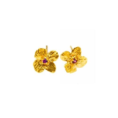 """Orecchini """"non ti scordar di me""""    descrizione:  Orecchini con fiore naturale """"non ti scordar di me"""" in argento tit. 925/1000 dorato oro giallo con topazio Round Star rosso mm. 1,90 - SWAROVSKI GEMSTONES."""