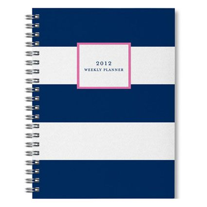 This planner has a great design!  Just looking at it makes me want to organize.
