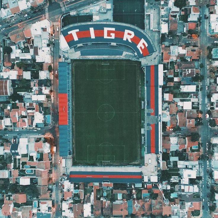 Estadio José Dellagiovanna o mejor conocido como el Monumental de Victoria casa del Club Atlético Tigre. Muchas gracias @rpirovano por compartir esta belleza!  #futbolfreaker