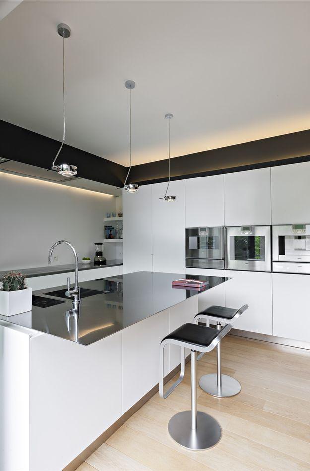 boffi kitchens piano lucido credo in acciaio che diventa. Black Bedroom Furniture Sets. Home Design Ideas