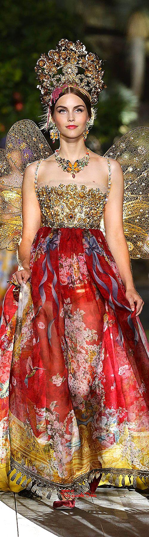 Très Haute Diva ♔ Dolce & Gabbana Alta Moda Fall/Winter 2015-16 #Portofino ♔ For more images visit my website http://www.treshautediva.com/