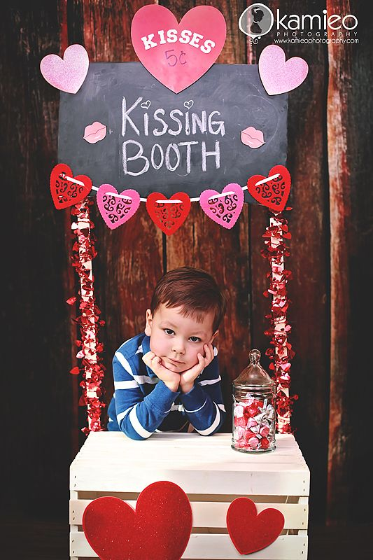 Valentines Day Mini's By Kamieo Photography Kissing booth & Photobooth setup #inspiration #setdesign