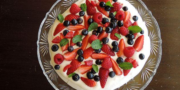 Pavlova – lækker kage med bær