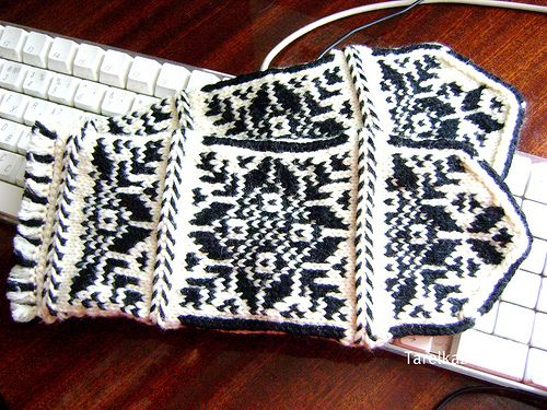 75 best fairy isle gloves images on Pinterest | Knit mittens, Fair ...