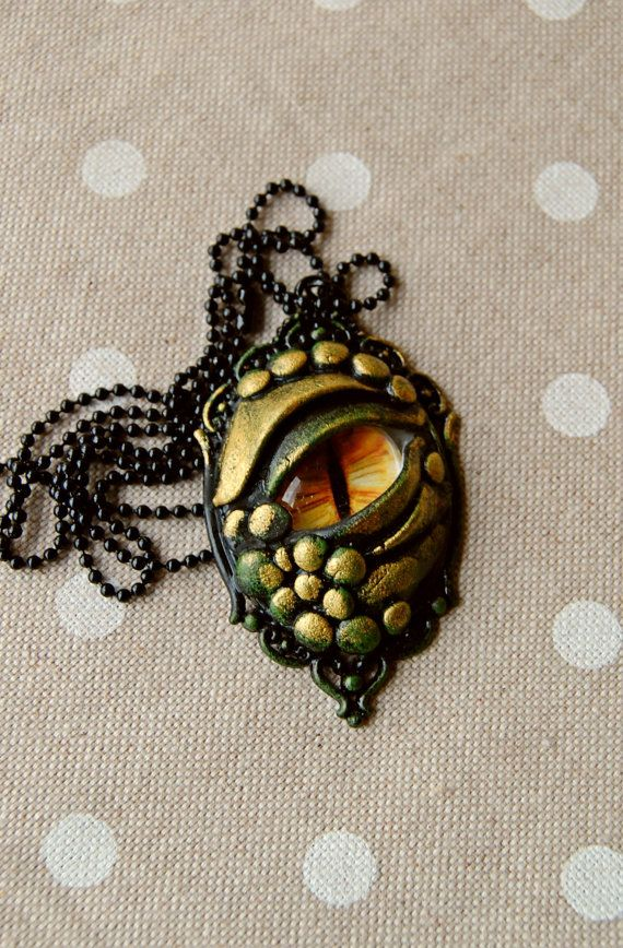 dragon eye necklace by lapetitedeco on Etsy. Polymeerklei
