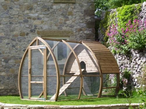 Cat Kennel - Chicken Coop & Houses - Custom Sheds - Cat Runs - Dog Kennels - Curved Garden Buildings