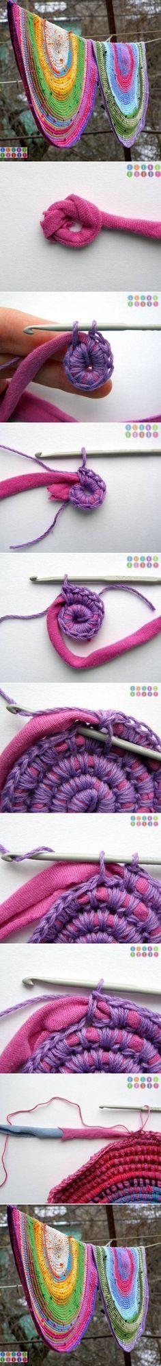 Aus Wolle und alten T-Shirts einen Teppich o. Untersetzer o. ä. häkeln - DIY Old T shirt Crochet Rug