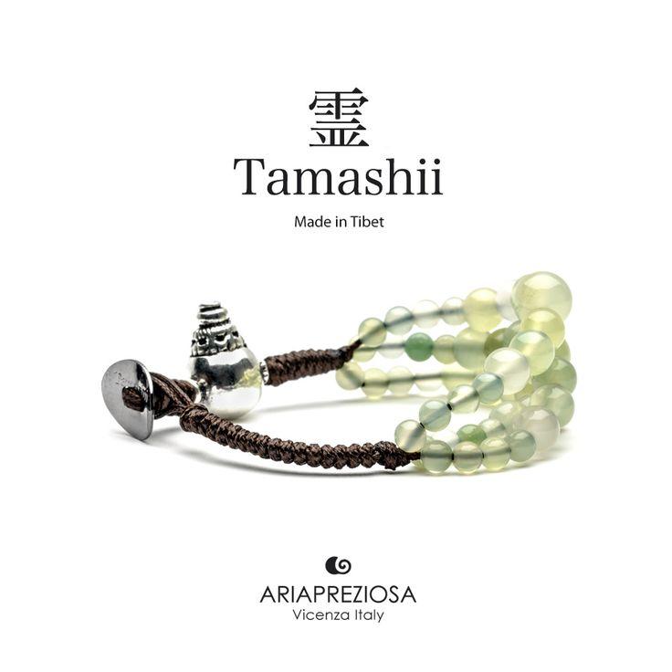 Bracciale Tamashii Dul Ba originale realizzato con pietre naturali AGATA VERDE MELA.  Composto da 3 file di pietre, simboleggia la disciplina, che nel buddismo assume l'accezione di equilibrio.