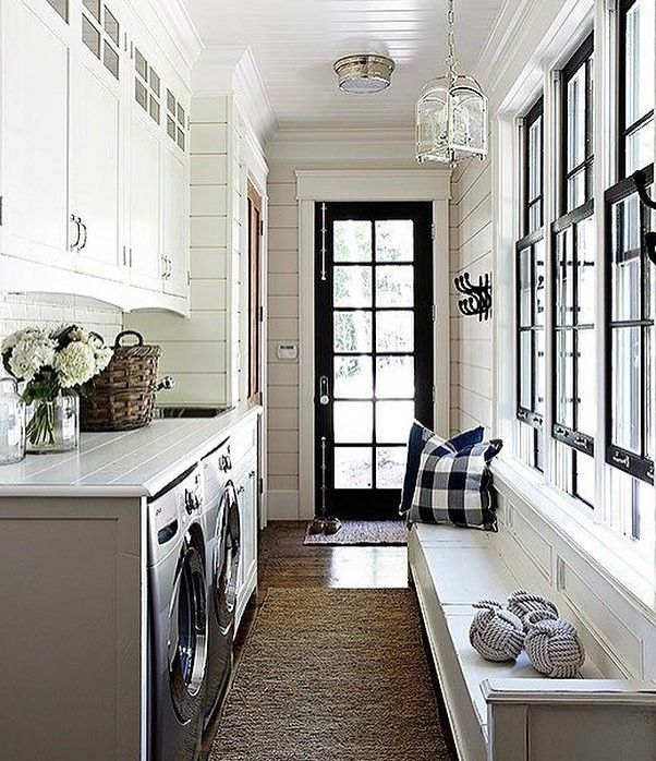 """141 Likes, 4 Comments - Aggie (@eclectic.hydrangea.home) on Instagram: """"Laundry room goals💙 ! #chicdecor #chinoiserie #hamptonsstyle #hamptonsdecor #cottagestyle #cozyhome…"""""""