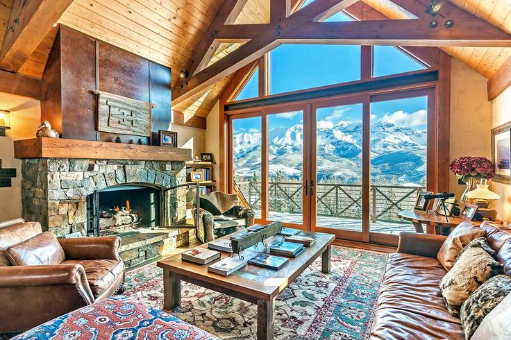 Tree Top Manor is a gorgeous alpine home perched above exclusive Benchmark Drive…