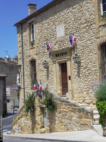 La Mairie de Rognes, Provence
