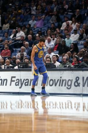 Warriors Stephen Curry to miss at least another week with ankle injury