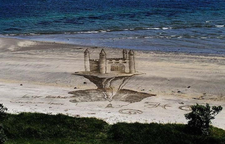 Amazing 3D Sand Drawings Give Beach a New Dimension - My Modern Metropolis