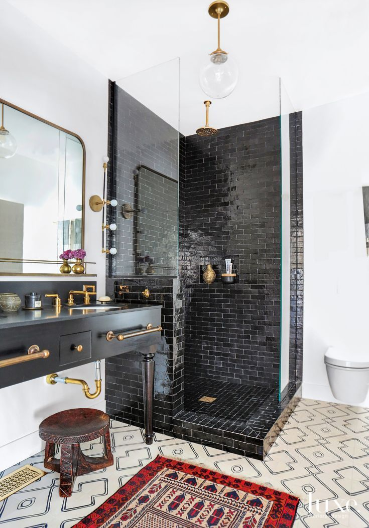 best 25 black bathrooms ideas on pinterest bathrooms. Black Bedroom Furniture Sets. Home Design Ideas