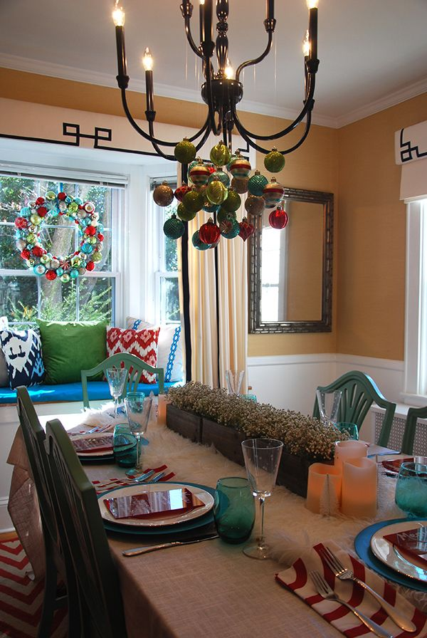 Christmas decorations in teal red and mint green mint for Teal dining room decorating ideas