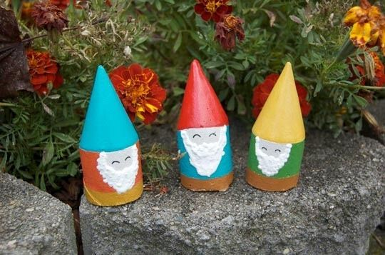 GnomesWeekend Projects, Tiny Gardens, Toilets Paper Rolls, Minis Dog Qu, Minis Gardens, Garden Gnomes, Gardens Gnomes, Mini Gardens, Crafts