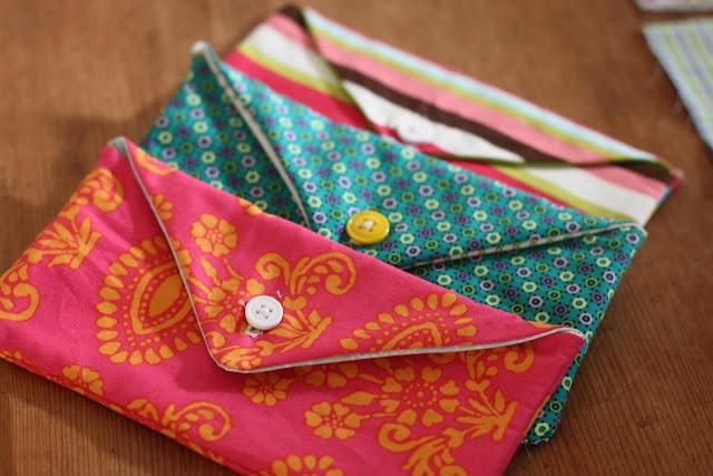 easy tutorial for making fabric cash envelopes