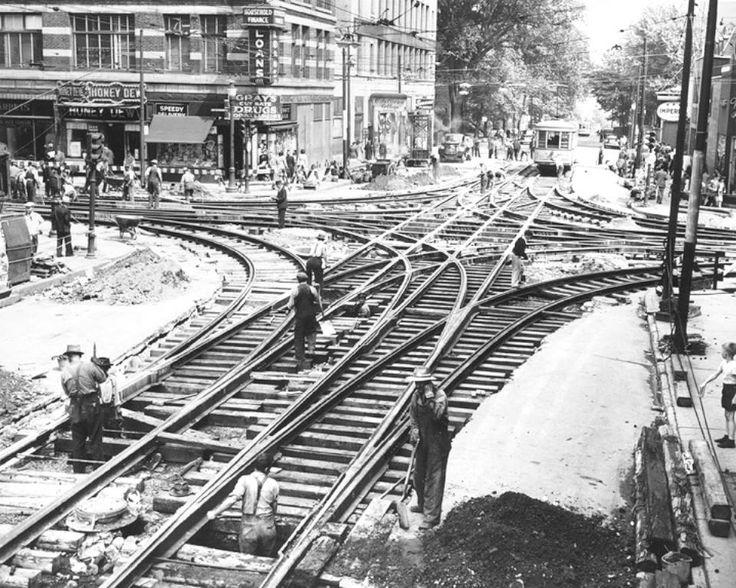 1947 Travaux sur les rues Ste-Catherine et Guy, Archives de la Société de Transport de Montréal, 3-947-004