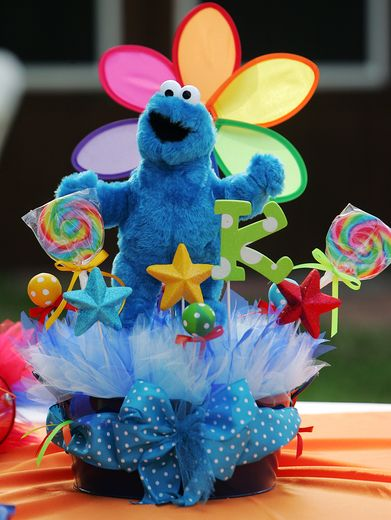 Super cute table decorations: Sesame Street Centerpieces, Birthday Parties, Photo 30, 1St Birthday, Sesame Streets, Sesame Street Birthday, Birthday Party Ideas, Kailan Sesame, Birthday Cookies Centerpieces