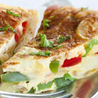 Aardappelomelet met paprika en gerookte zalm recept
