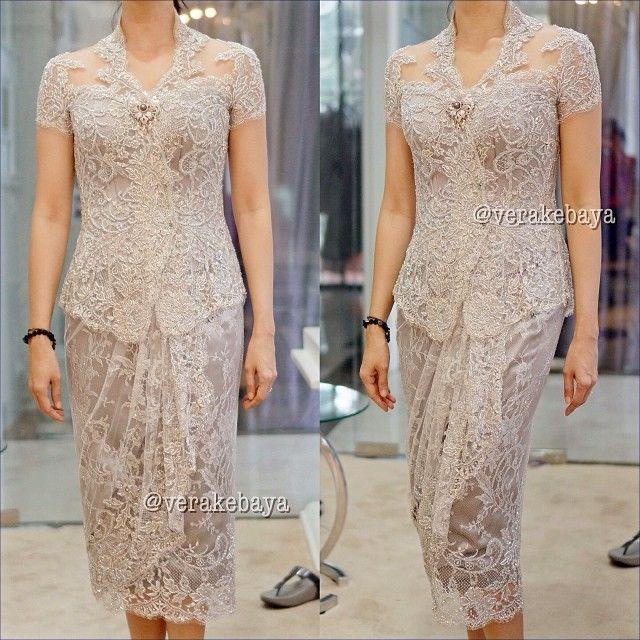 Fitting #kebaya #silver #swarovski #lace #pengantin #partydress #wedding #verakebaya ❤️❤️❤️