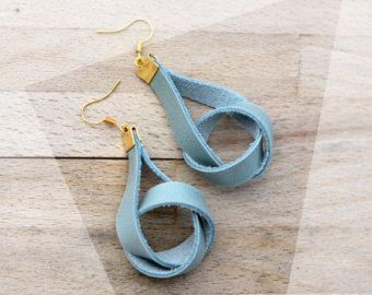 Natural and chic: dangling leather earrings in powder mint and gold / knot earrings / modern earrings / golden accents