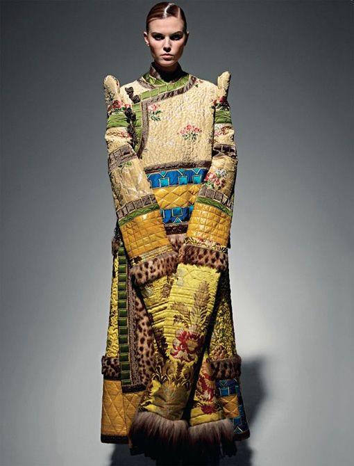 Maryna Linchuk | Vogue Россия Май 2011 (Photography: Patrick Demarchelier) via Ford Models Blog