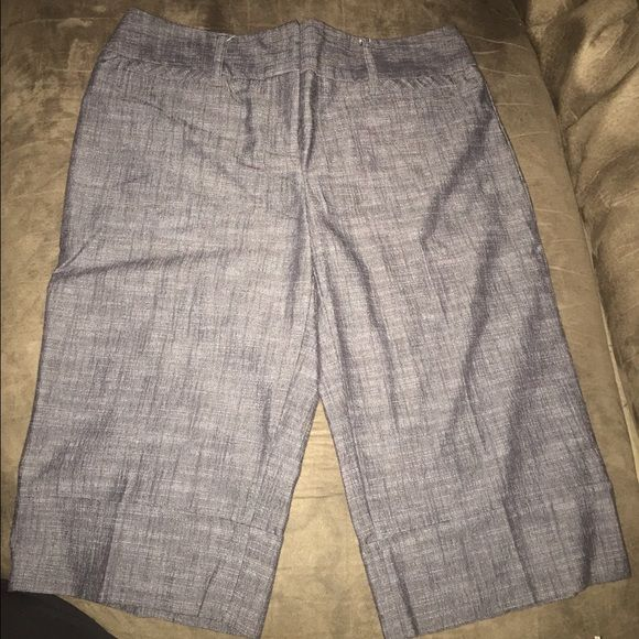 Women's Below the Knee Dress Shorts. Women's Below the Knee Dress Shorts. They are a size 9 and gray. Shorts