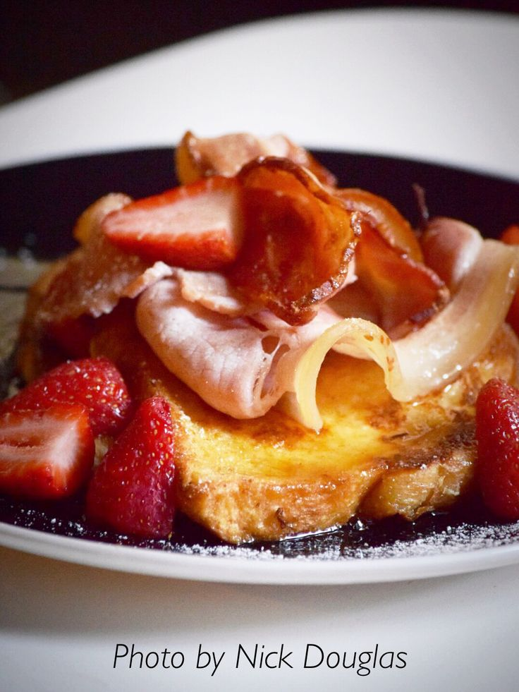 French toast with bacon & strawberry