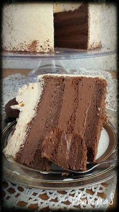 Priličan je broj recepata za čokoladne torte i verovatno su svi odlični, al ovaj je poseban jer je od moje drugarice Dace. Draga...